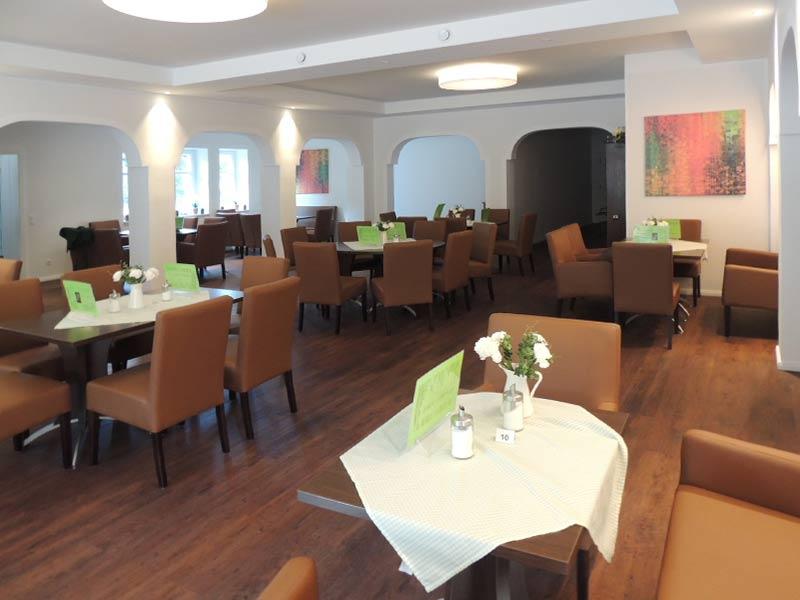 Großer Raum (Café) ca. 74 Pers.